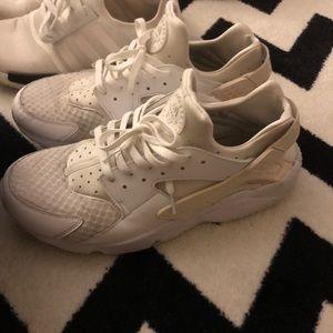 Nike Shoes | Nike Huaraches | Color: White | SZ:13
